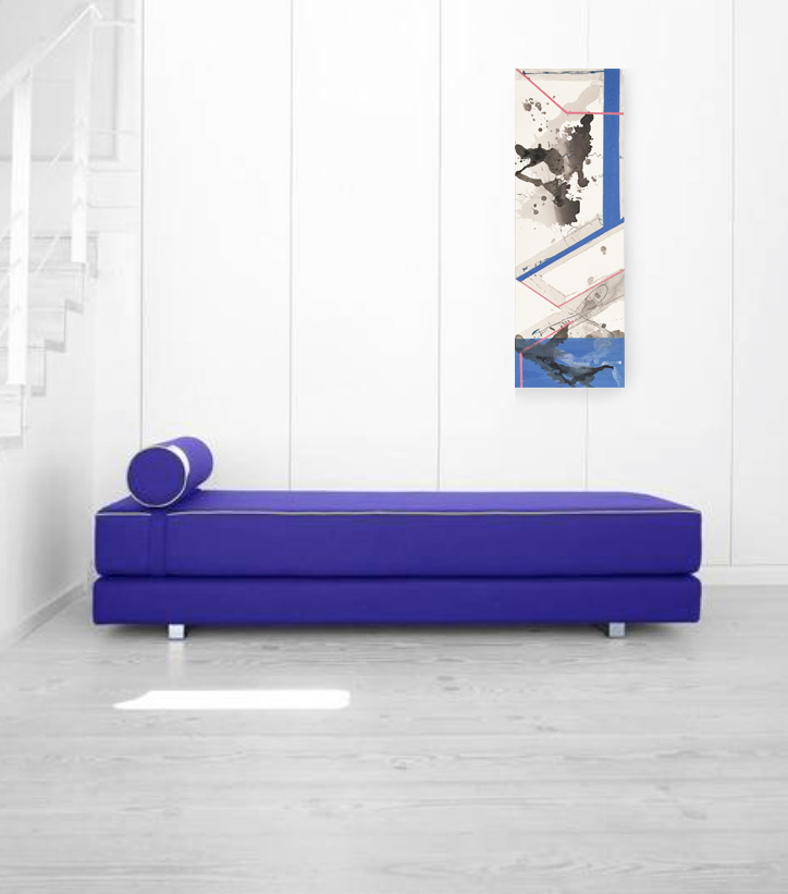 gotowe wnętrze z charbrową sofą i obrazem