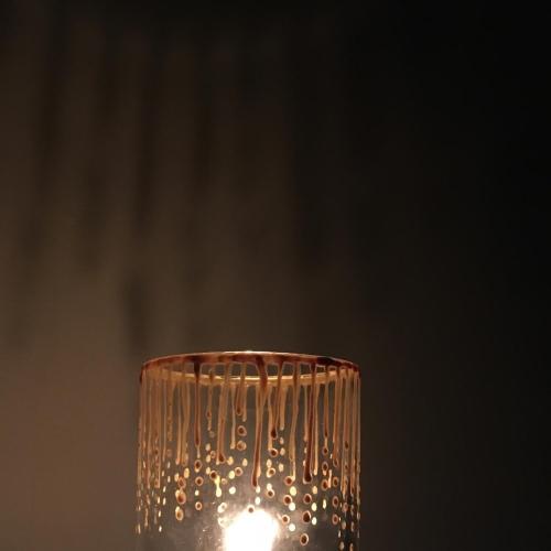 swiecznik-pomalowany-z-cieniem