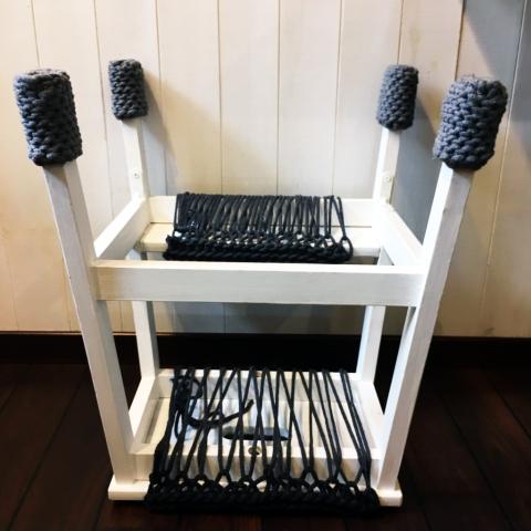 stolek-od-spodu