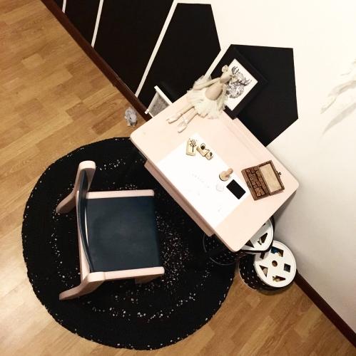 biurko-z-krzeselkiem