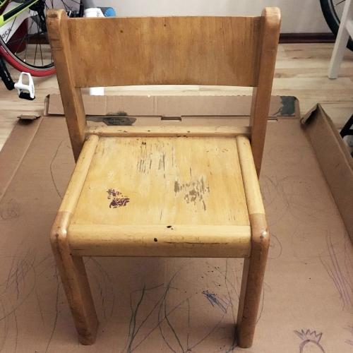 krzeselko-przed-malowaniem